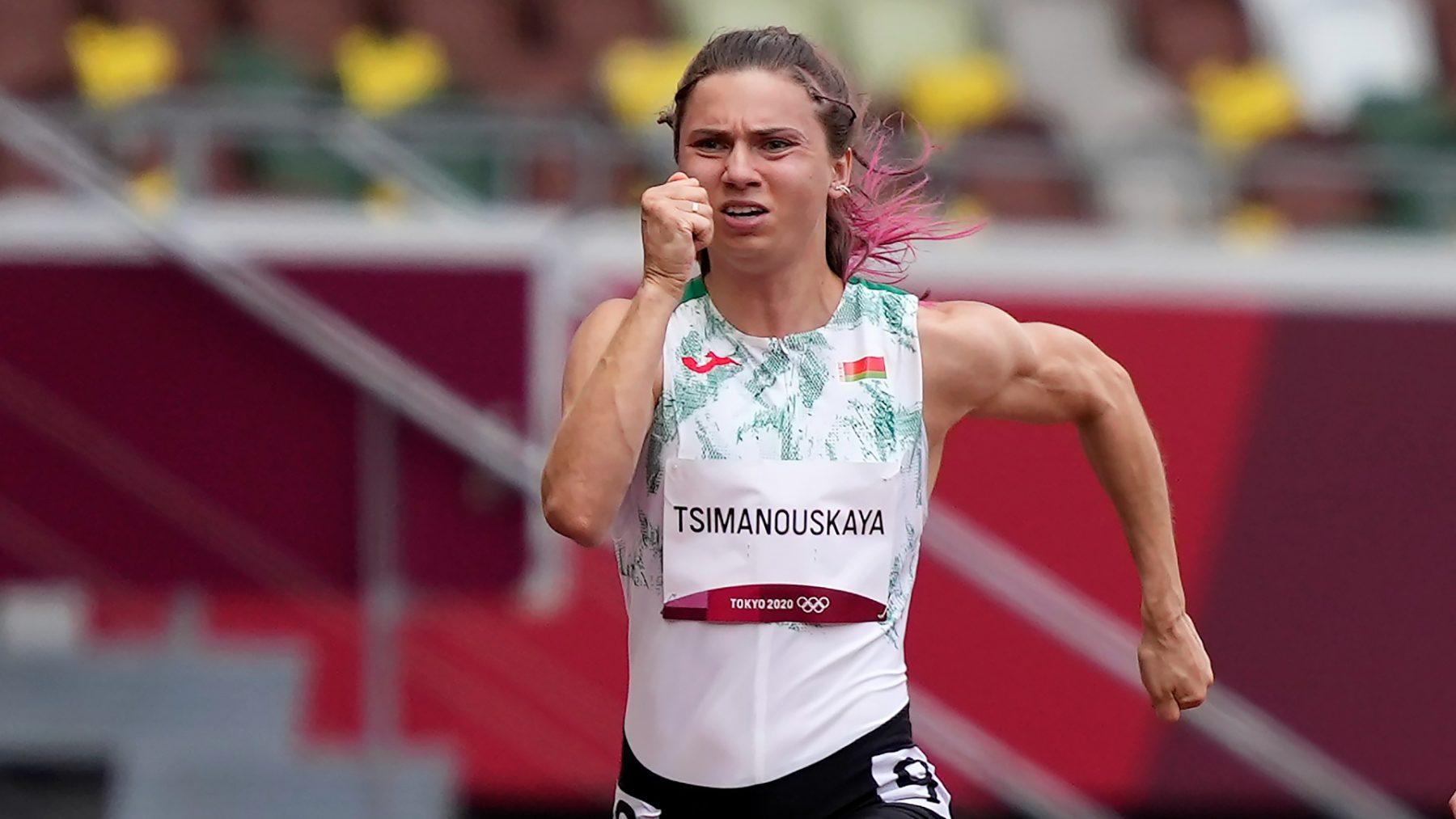Wit-Russische atlete KristinaTsimanoeskaja: 'Bij thuiskomst zou ik gestraft worden'