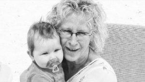 Thumbnail voor Esther herdenkt haar moeder Margriet: 'Ik ga nog lang niet dood, zei ze'