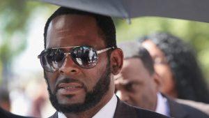 Thumbnail voor Superster R. Kelly kan levenslang voor seksueel misbruik krijgen: 'Meisjes waren fans die wilden opscheppen'