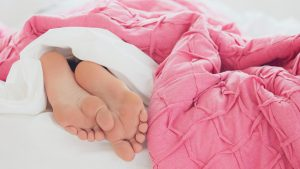 Thumbnail voor Van maagdelijke bruid tot slapend in bed: voor deze Funda-verkopers is niets privé