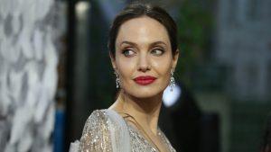 Thumbnail voor Angelina Jolie wijdt allereerste Instagrampost aan oorlog Afghanistan