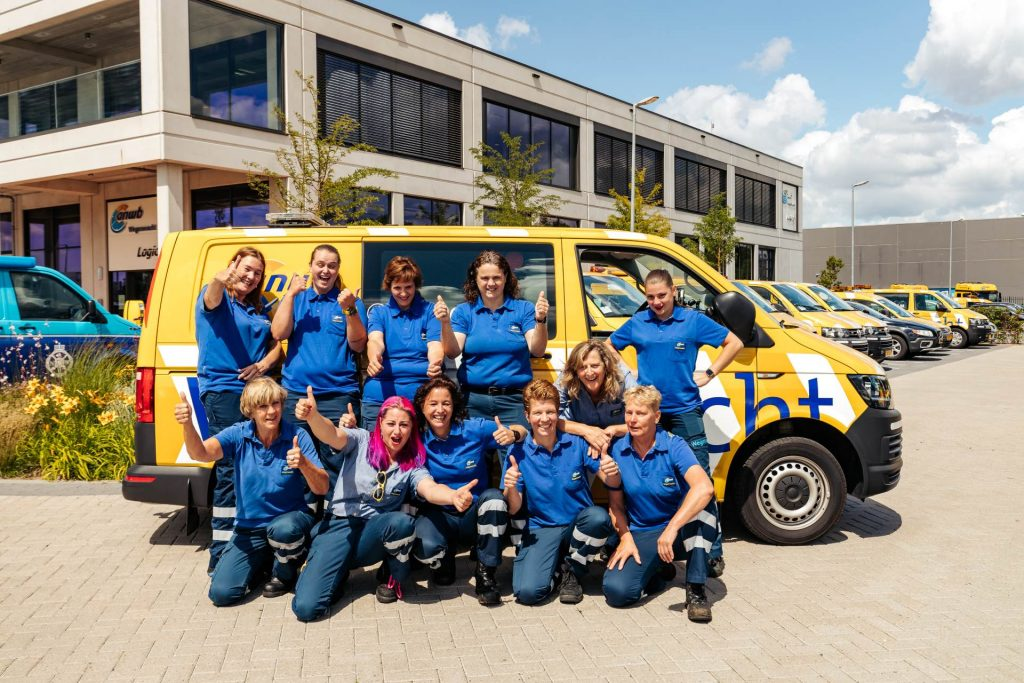 Josien Schut liet zich omscholen van tandartsassistent naar wegenwacht: 'Ben one of the guys'