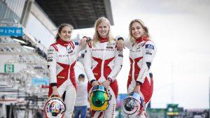 Thumbnail voor Beitske Visser na heftige crash: 'Ik race dit weekend gewoon in Zandvoort'