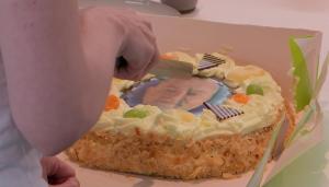 Thumbnail voor Pieter weet geen indruk te maken met bijzondere taart in 'Lang Leve de Liefde'