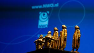 Thumbnail voor Zes Nederlandse wetenschappers krijgen prijs van 2,5 miljoen