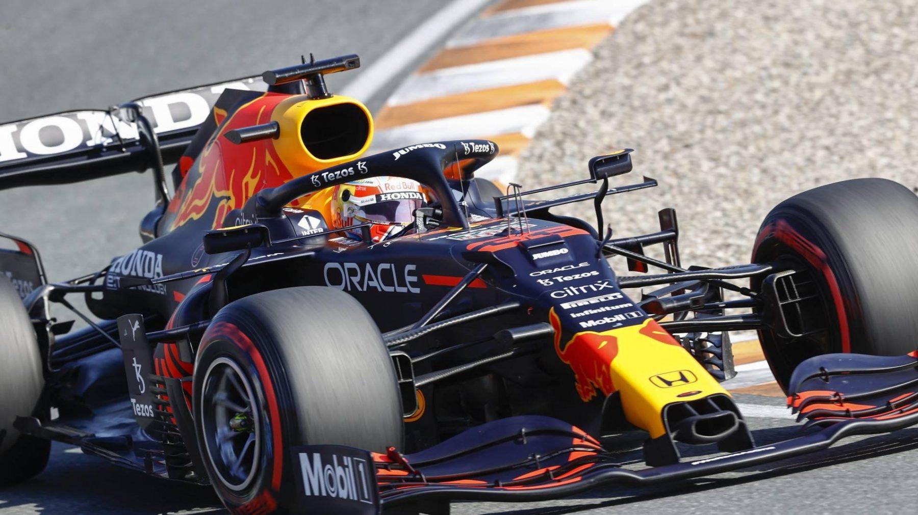 Max Verstappen pakt op Zandvoort poleposition voor Dutch GP