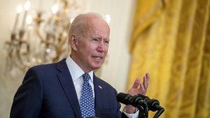 Thumbnail voor Biden: 'Vaccinatieplicht voor alle medewerkers van de Amerikaanse overheid'