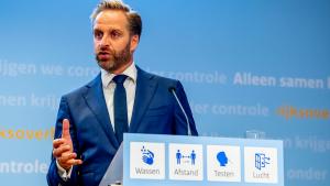 Thumbnail voor Hugo de Jonge benadrukt tijdens persconferentie: 'Er komt geen vaccinatieplicht'
