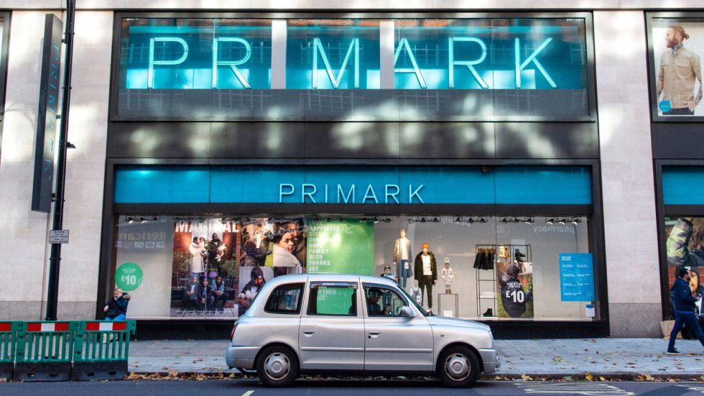 Kledinggigant Primark wil van vervuilende wegwerpmode af