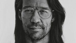 Thumbnail voor Giel Beelen prijst kruidenmiddel Shambala aan, 'Radar' is geen fan: 'Redelijk schandelijk'