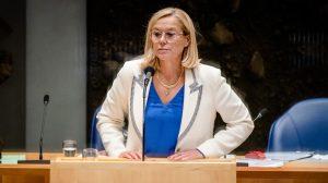 Thumbnail voor Kaag stapt op als minister van Buitenlandse Zaken na motie van afkeuring