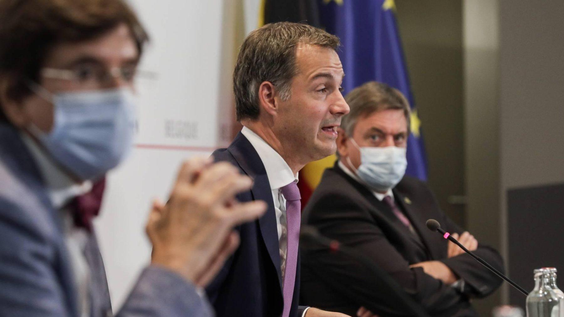 Premier België haalt keihard uit naar niet-gevaccineerden