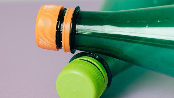 Mooi nieuws op World Cleanup Day: statiegeld lijkt te leiden tot minder plastic flesjes in zwerfaval