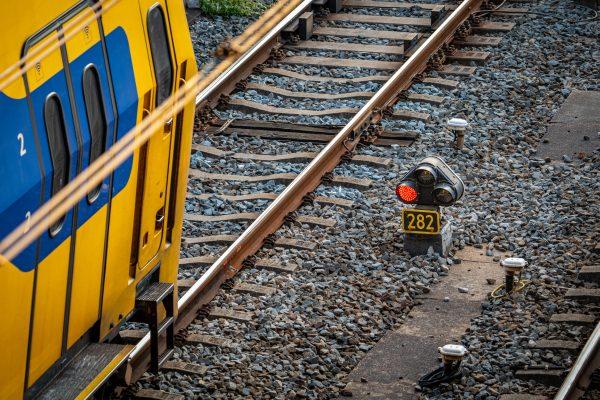 Verdachte gearresteerd in trein Apeldoorn om bommelding