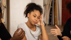 Thumbnail voor Zo ga je als ouders het gesprek aan met je tiener over vaccineren (ook als je het niet eens bent)