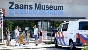 Thumbnail voor Amsterdammer (49) meldt zich bij politie voor mislukte kunstroof Zaans Museum