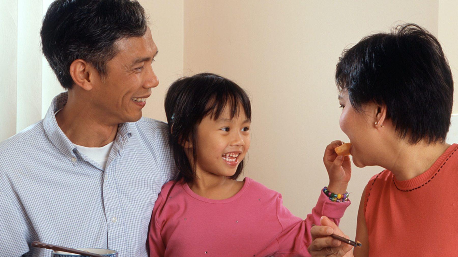 Is je kind een moeilijke eter? De truc zit níet in straffen of belonen