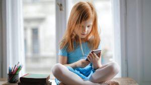 Thumbnail voor De Kindertelefoon roodgloeiend over pesten na openen scholen