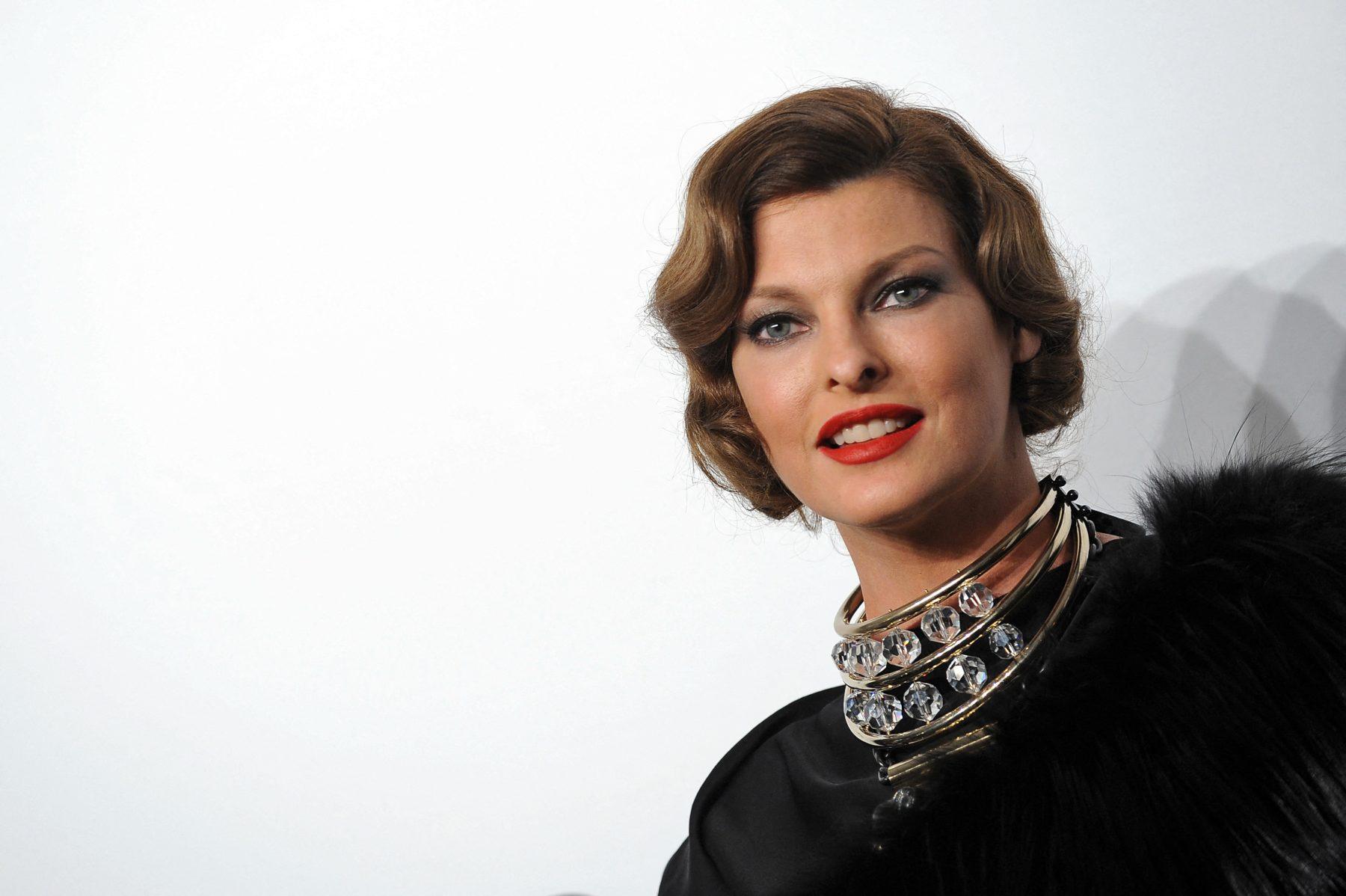 Ex-topmodel Linda Evangelista 'misvormd' na mislukte cosmetische ingreep