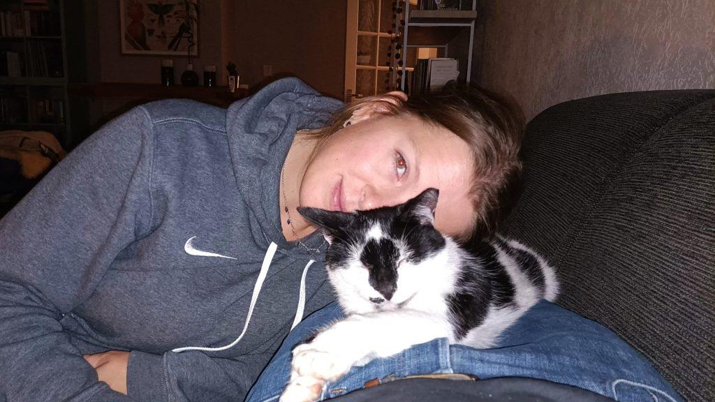 Sinds Anna Neeltjes kat vermist is, krijgt ze rare telefoontjes: 'Ze riepen: 'Je kankerkat is dood''