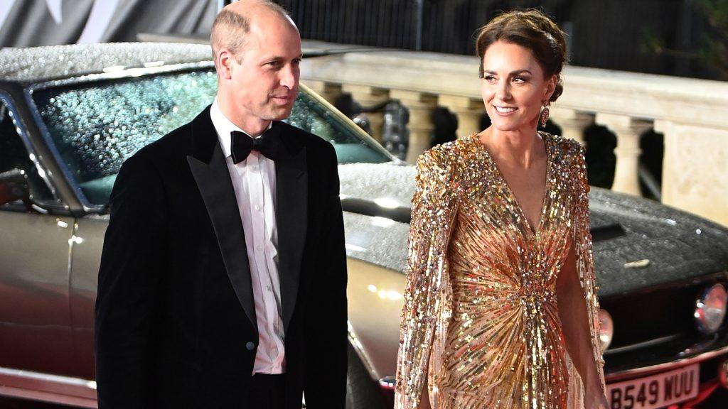 Spectaculaire jurk Kate Middleton bejubeld door modepers én Daniel Craig