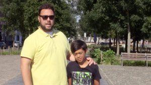 Thumbnail voor 'Steenrijk, Straatarm'-Luis krijgt baan aangeboden als geluksambassadeur