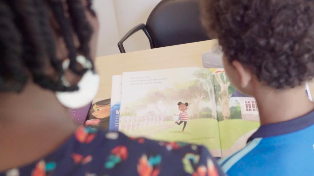 Voor het eerst in Nederland: deze 6 boeken geven de Kinderboekenweek meer kleur