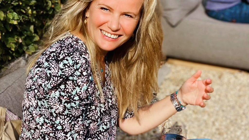 Sara (43) kreeg 4 x een hersenbloeding: 'Ik lijk gezond, maar ben het niet'