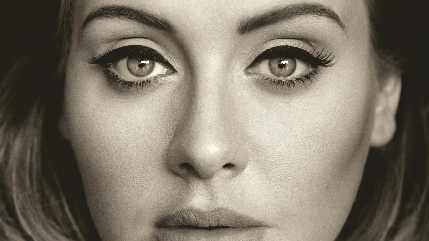 Creëer de perfecte winged eyeliner: Adele verklapt welke zij altijd gebruikt
