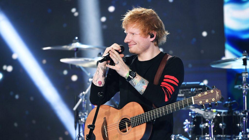 Ed Sheeran test positief op corona: 'Het spijt me als ik mensen teleurstel'